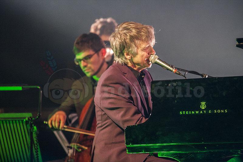 Neil Finn - Cross-Linx Festival 2016 Amsterdam (5)